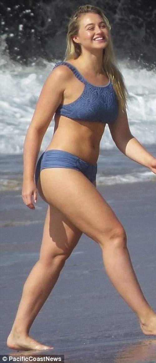 Mẫu béo đẳng cấp gợi tình với bikini khoét hông cao ngút - 5