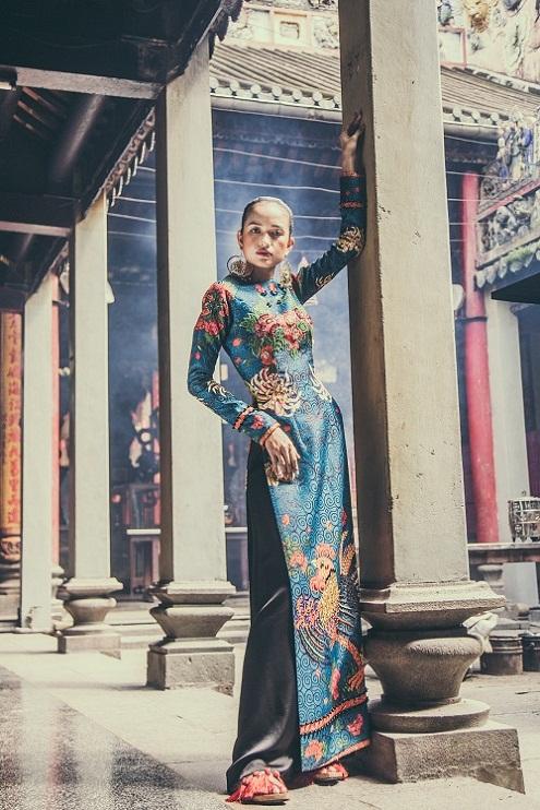 Quán quân Next Top Ngọc Châu hút hồn với áo dài gấm lụa - 6