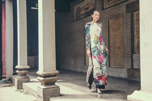 Quán quân Next Top Ngọc Châu hút hồn với áo dài gấm lụa - 9