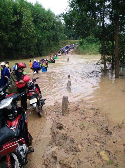 17 người thương vong do mưa lũ ở miền Trung - 1