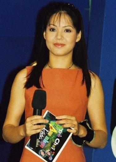 Khó tin nhan sắc 20 năm không đổi của MC Diễm Quỳnh - 6
