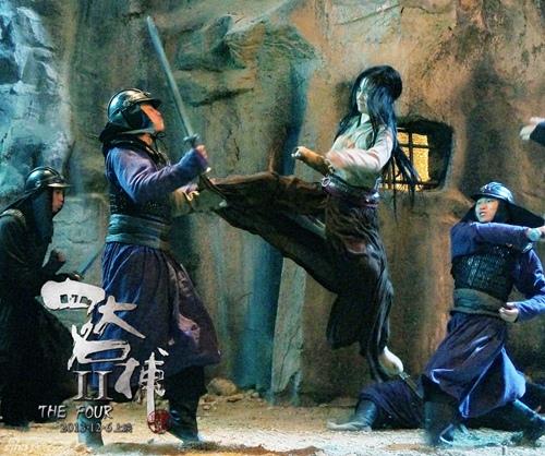 """Những pha võ thuật """"thần sầu"""" của Lưu Diệc Phi - 11"""