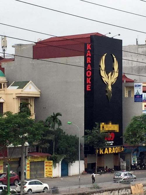 """Cận cảnh những biển quảng cáo karaoke kích thước """"khủng"""" - 10"""