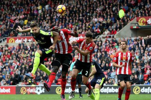 Giroud thăng hoa cùng Arsenal: Khi gỗ hóa vàng - 2
