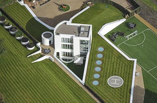 Biệt thự mới có sân bóng và bãi đáp trực thăng của Justin Bieber - 2