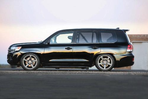 """Soi """"hàng khủng"""" Toyota Land Speed Cruiser 2.000 mã lực - 2"""