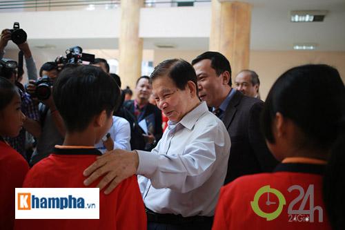 Nguyên Chủ tịch nước Nguyễn Minh Triết khen HLV Tuấn là ngôi sao mới - 2