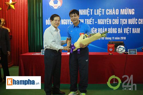Nguyên Chủ tịch nước Nguyễn Minh Triết khen HLV Tuấn là ngôi sao mới - 8