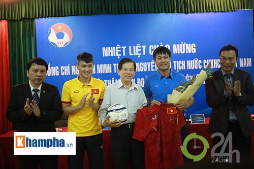 Nguyên Chủ tịch nước Nguyễn Minh Triết khen HLV Tuấn là ngôi sao mới - 10