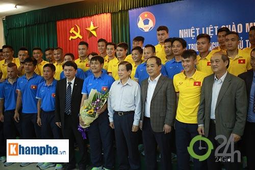 Nguyên Chủ tịch nước Nguyễn Minh Triết khen HLV Tuấn là ngôi sao mới - 11