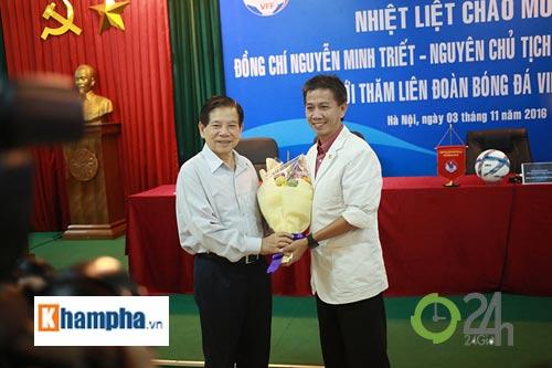 Nguyên Chủ tịch nước Nguyễn Minh Triết khen HLV Tuấn là ngôi sao mới - 12