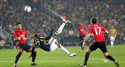 Chi tiết Fenerbahce - MU: Rooney bỏ lỡ cơ hội (KT) - 3