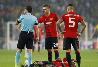 Chi tiết Fenerbahce - MU: Rooney bỏ lỡ cơ hội (KT) - 4