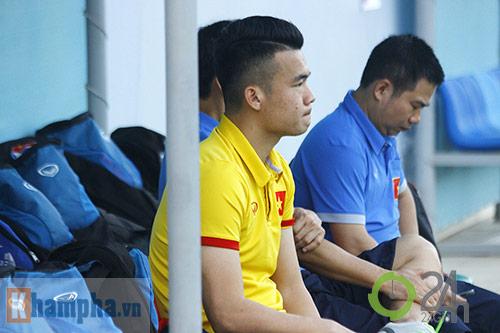 """ĐT Việt Nam: Fan nữ """"bao vây"""", ngay ngáy lo chấn thương - 2"""