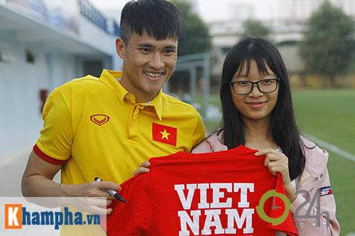 """ĐT Việt Nam: Fan nữ """"bao vây"""", ngay ngáy lo chấn thương - 9"""