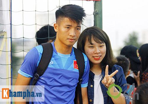 """ĐT Việt Nam: Fan nữ """"bao vây"""", ngay ngáy lo chấn thương - 10"""