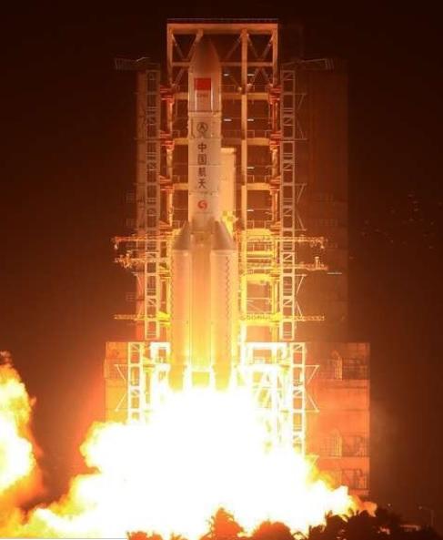 Trung Quốc phóng tên lửa mạnh nhất từ trước tới nay - 2