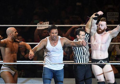 WWE: Cựu SAO thủ môn Đức thắng trận mở màn vật biểu diễn - 4