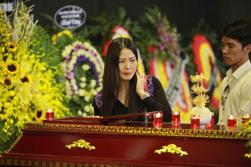 Các danh hài phía Bắc rơi lệ tiễn đưa NSƯT Phạm Bằng - 15