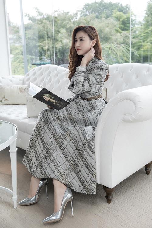 """""""Nữ hoàng sắc đẹp"""" Ngọc Duyên lộ diện sau đăng quang - 4"""