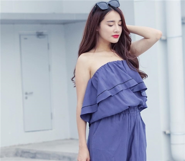 Nhã Phương phơi phới nét xuân với váy áo trễ nải - 10
