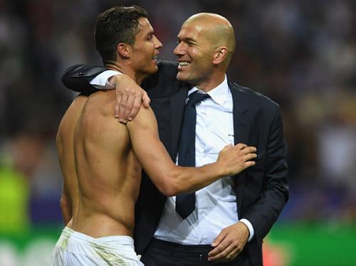 Real: Zidane sợ quyền lực của Bale-Benzema-Ronaldo? - 1