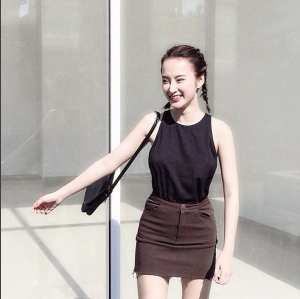 Mặc đồ bình dân, Angela Phương Trinh vẫn sexy khó cưỡng - 1