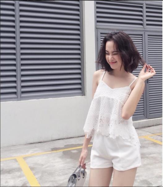 Mặc đồ bình dân, Angela Phương Trinh vẫn sexy khó cưỡng - 2