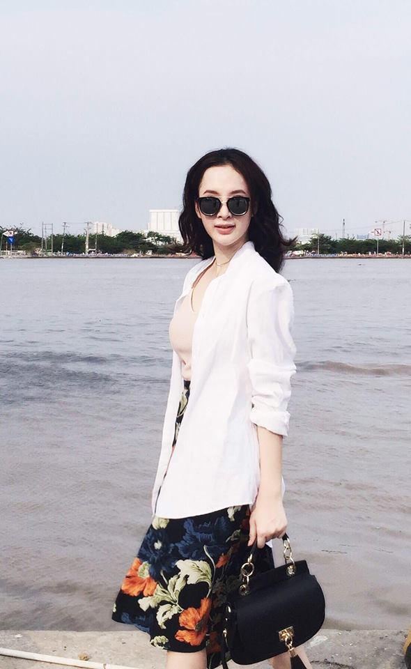 Mặc đồ bình dân, Angela Phương Trinh vẫn sexy khó cưỡng - 7