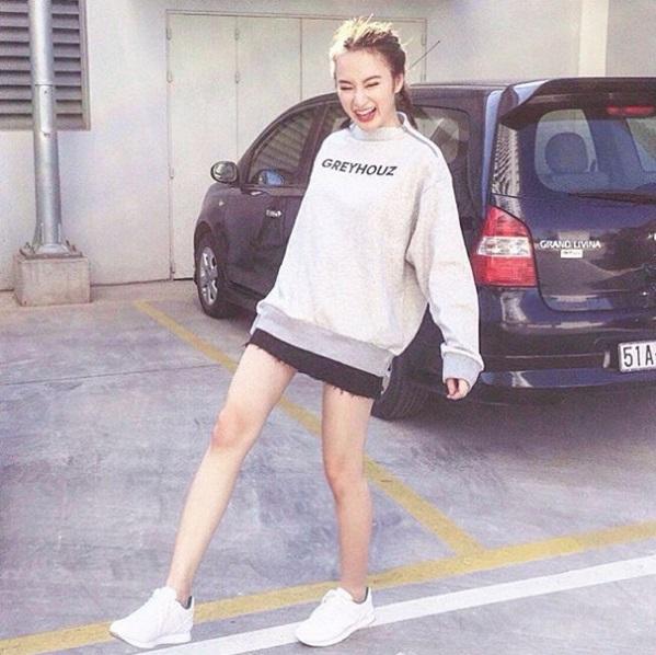Mặc đồ bình dân, Angela Phương Trinh vẫn sexy khó cưỡng - 12