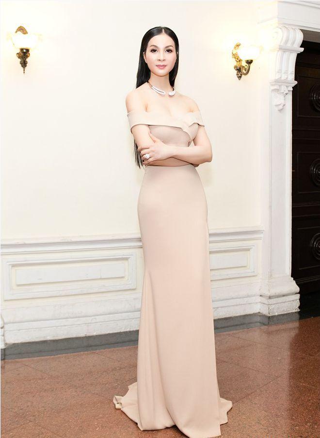 HH Giáng My, Chi Pu diện váy voan mỏng tang phô ngực đầy - 10