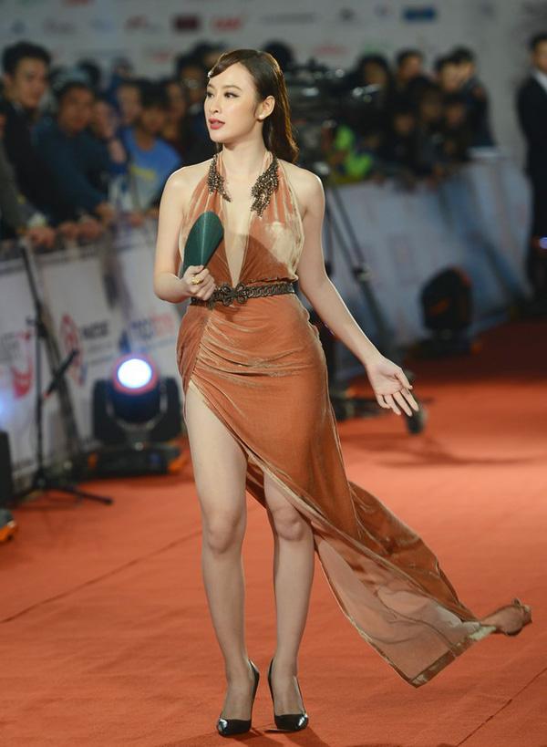 HH Giáng My, Chi Pu diện váy voan mỏng tang phô ngực đầy - 13