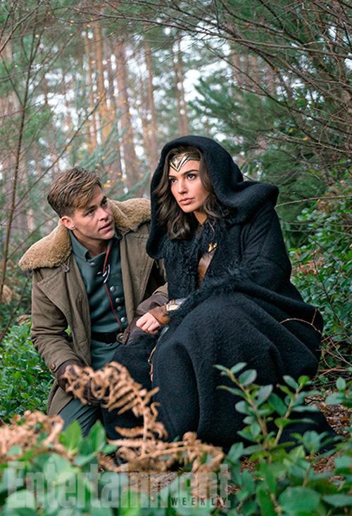 Vẻ bốc lửa của hoa hậu Israel trong vai Wonder Woman - 5