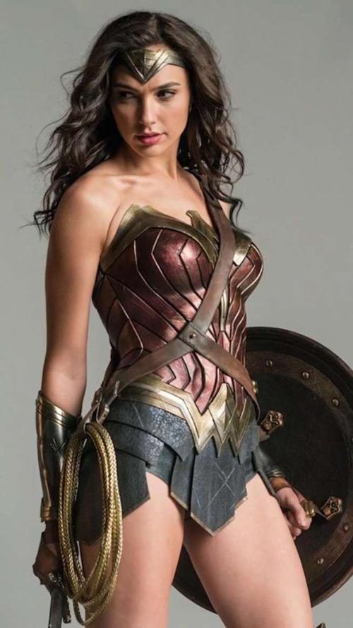 Vẻ bốc lửa của hoa hậu Israel trong vai Wonder Woman - 8