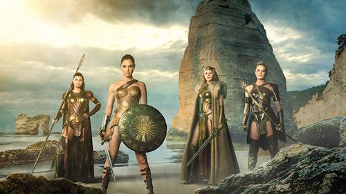 Vẻ bốc lửa của hoa hậu Israel trong vai Wonder Woman - 7