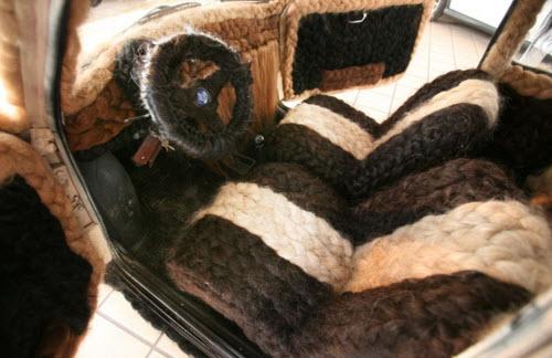 Dùng 100kg tóc để trang điểm cho ô tô Fiat 500 cổ - 6