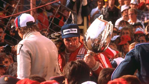 Chuyện F1: Máu từng đổ trên bục trao giải - 2