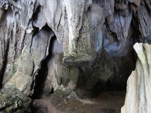 """Nhũ đá hang động ở Hạ Long bị """"chảy máu"""" nghiêm trọng - 5"""