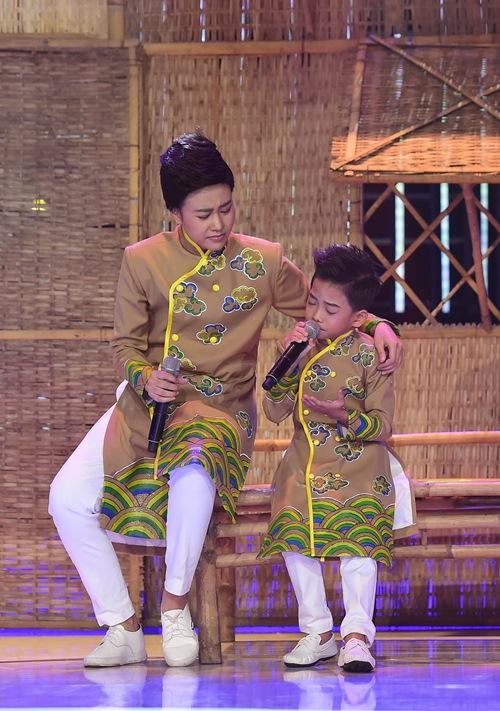 """Hoài Linh thích thú trước """"bản sao nhí"""" của Hoài Lâm - 2"""