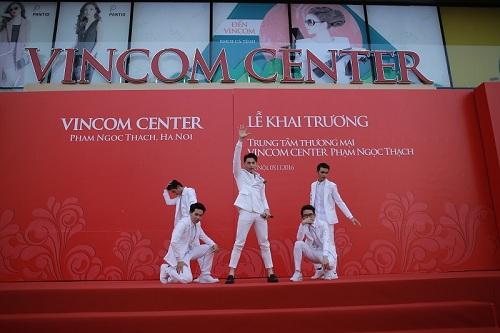 Khai trương Vincom Center Phạm Ngọc Thạch - Hà Nội - 2
