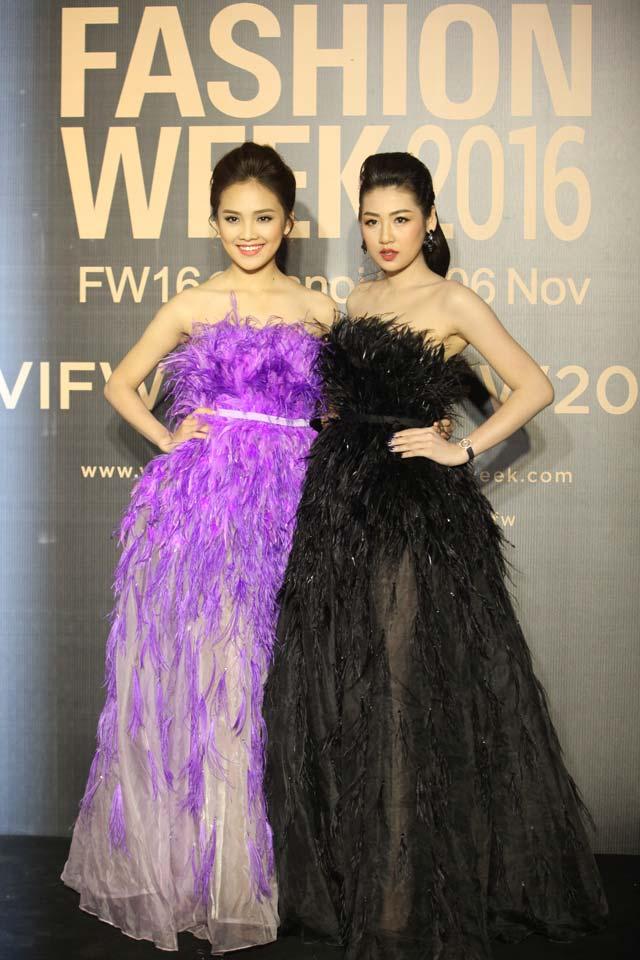 Dàn hoa, á hậu kiêu sa trên thảm đỏ Vietnam International Fashion Week - 7