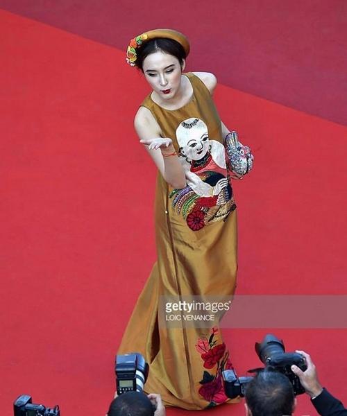 Bí mật 3 lần tỏa sáng của Angela Phương Trinh trên thảm đỏ - 3