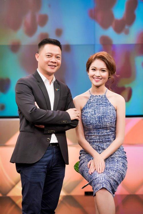 Á hậu Thùy Dung trổ tài hát tiếng Anh trên VTV - 2