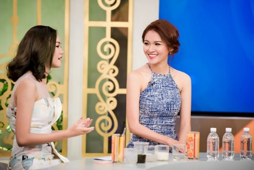 Á hậu Thùy Dung trổ tài hát tiếng Anh trên VTV - 3