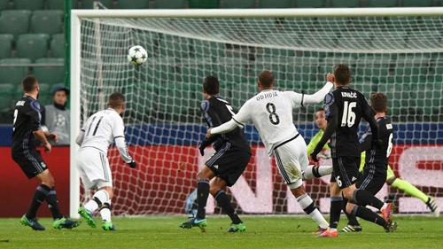 Real Madrid & bão chấn thương: 16 trận, 11 hàng thủ - 1