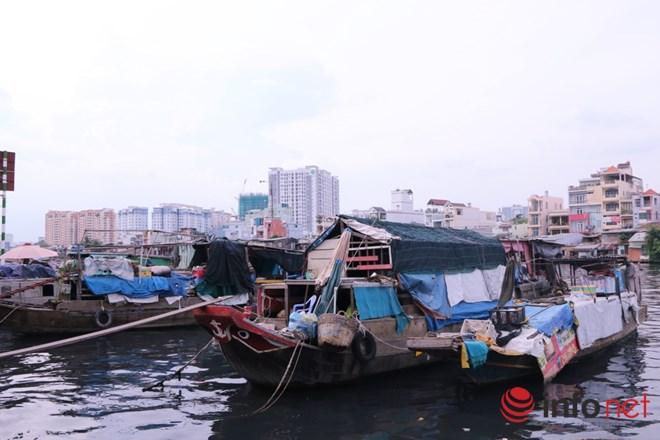 Có một chợ nổi miền Tây giữa Sài Gòn - 1
