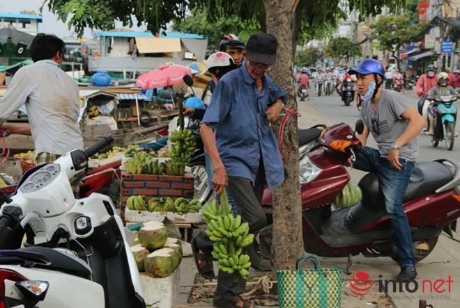 Có một chợ nổi miền Tây giữa Sài Gòn - 11