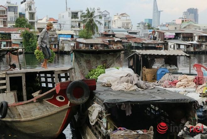 Có một chợ nổi miền Tây giữa Sài Gòn - 9