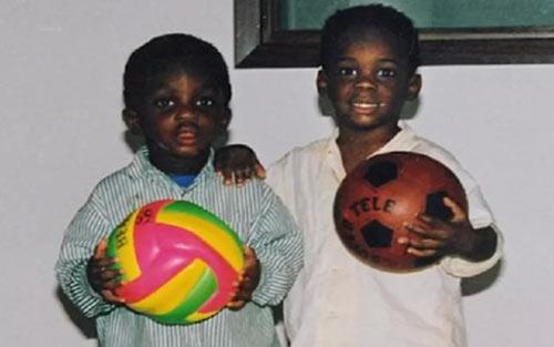 SAO bóng đá & quá khứ dữ dội: Balotelli và nỗi ám ảnh màu da (P3) - 2