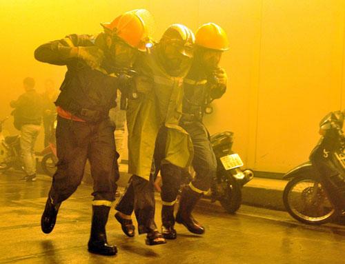 Diễn tập cứu 30 người mắc kẹt trong hầm vượt sông SG - 6